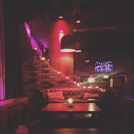 Penta Hotel bar and reception